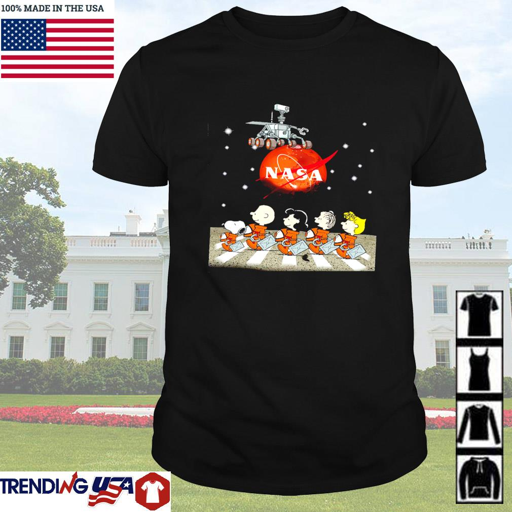 Nasa Mars landing Snoopy Charlie Browns with friends abbey road shirt
